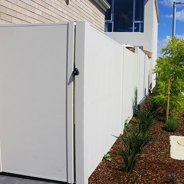 SlimWall with modular gate